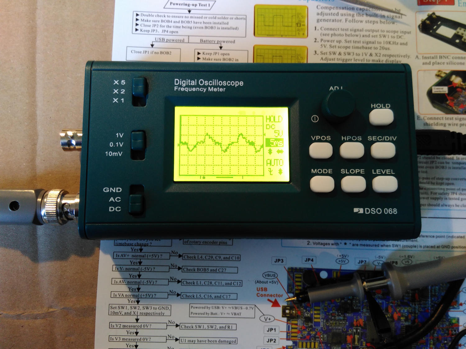 The finished oscilloscope, displaying mains hum at 50 Hz
